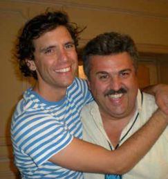 Mika realizza i suoi tour italiani con Claudio Trotta di Barley Arts.