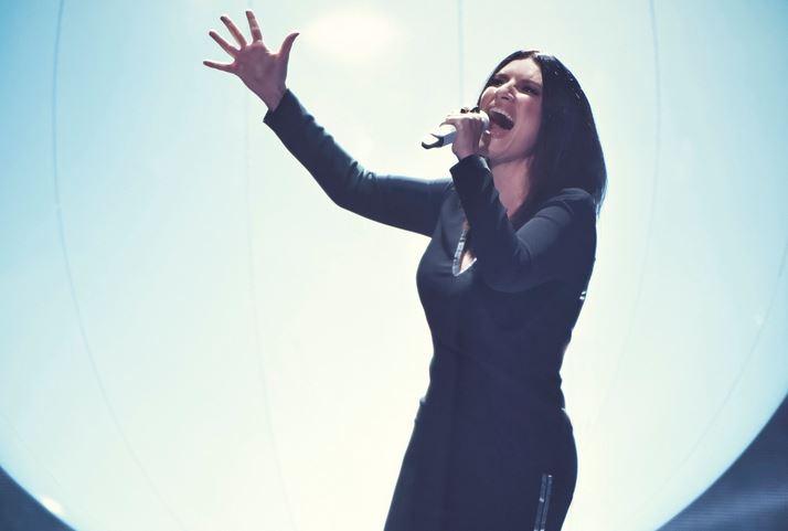 Laura Pausini ai premi Lo Nuestro, Miami, febbraio 2018.