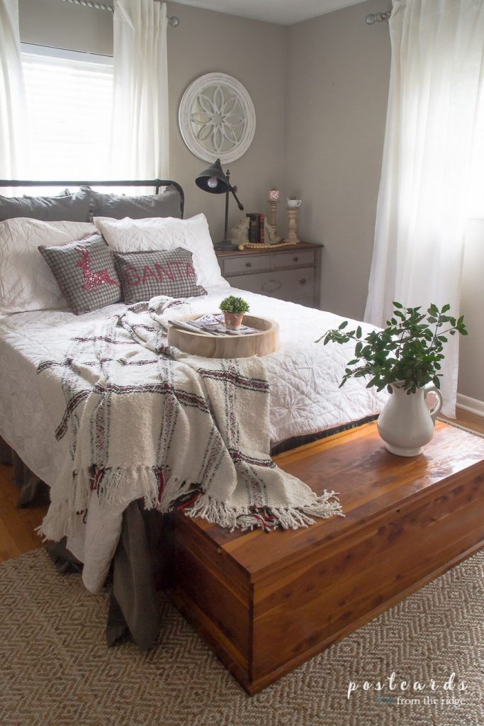15 Farmhouse Bedroom Ideas Anyone Can Replicate The