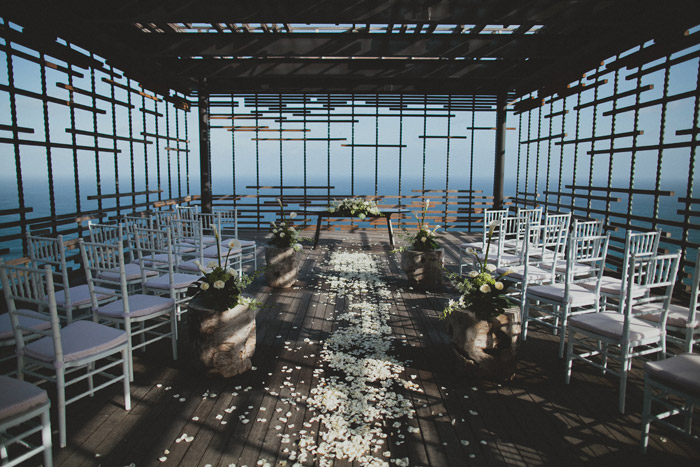 Wedding at Alila Villas Uluwatu, Bali. Terralogical Photography. www.theweddingnotebook.com