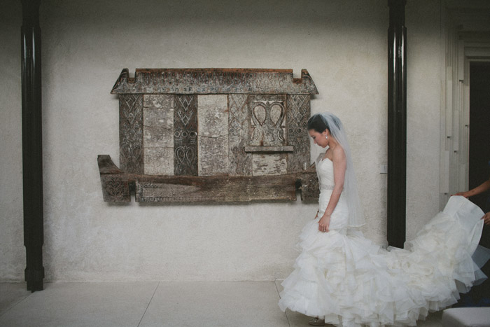 Destination wedding at Alila Villas Uluwatu. Terralogical Photography. www.theweddingnotebook.com
