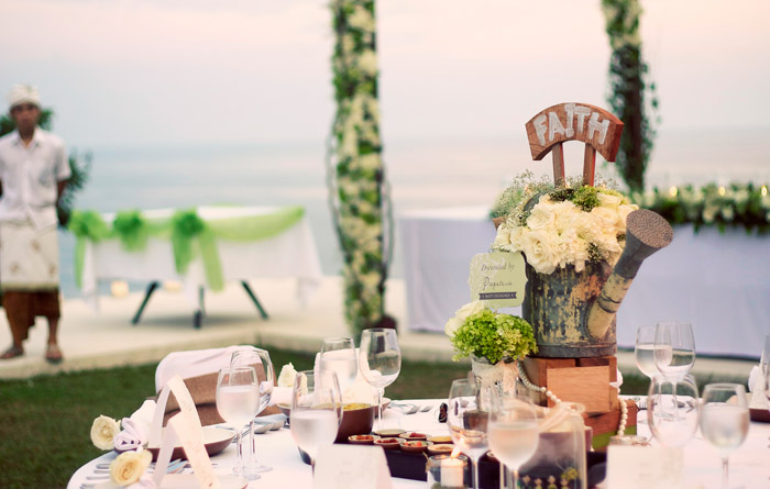 Concept and Décor by Papeterie Party Designer. www.theweddingnotebook.com