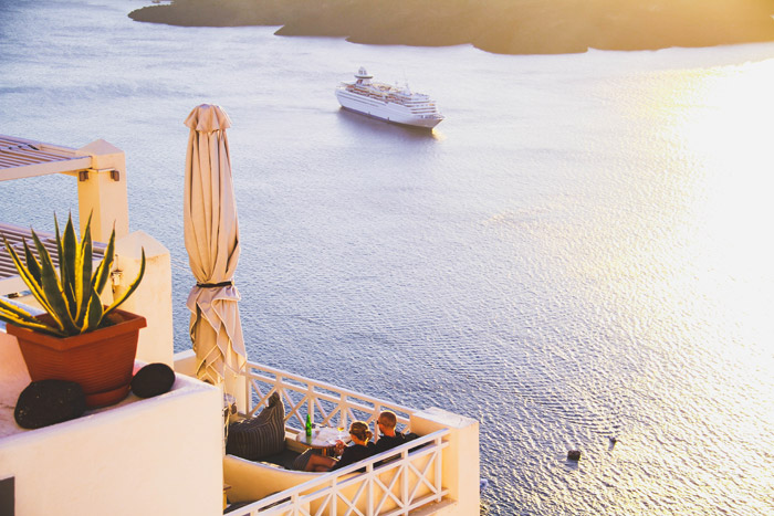The Secret Guide To Santorini. www.theweddingnotebook.com