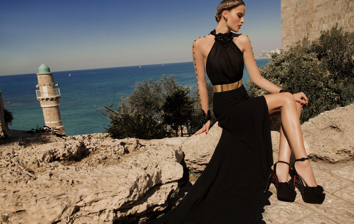 Mars – Galia Lahav 2014 Evening Collection. www.theweddingnotebook.com