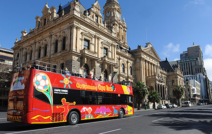 Red City Bus Cape Town, South Africa. Honeymoon itimerary for South Africa. www.theweddingnotebook.com