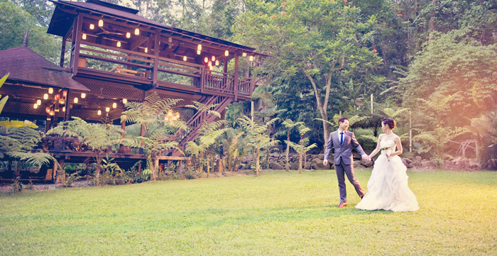 Mr and Mrs Photography. www.theweddingnotebook.com