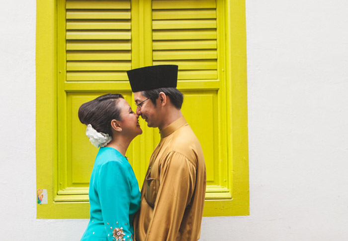 Haji Lane, Singapore. 16 Colourful Places In The World For Your Bridal Portraits. www.theweddingnotebook.com