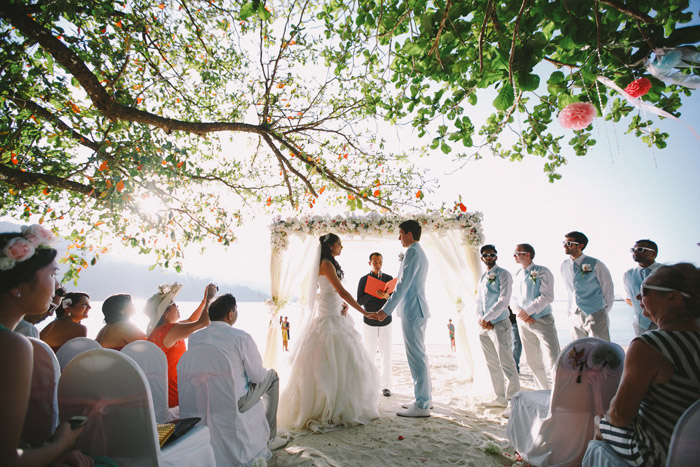 Andaman Langkawi Beach Wedding. Photo by Fabulous Moments. www.theweddingnotebook.com