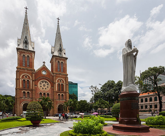 20 Stunning Cathedrals And Chapels In Asia – Saigon Notre-Dame Basilica, Hồ Chí Minh, Vietnam