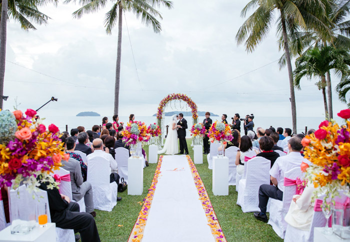 18 venues to have both a garden ceremony and reception in malaysia shangri las rasa ria resort sabah garden wedding photo by eric so photography junglespirit Choice Image