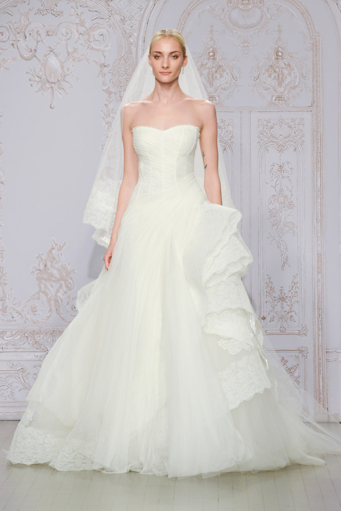 Whisper and Laurel shoe – Monique Lhuillier Fall 2015 Bridal Collection. www.theweddingnotebook.com