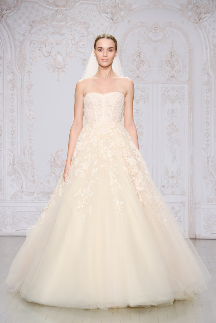 Paradise and Odette shoe – Monique Lhuillier Fall 2015 Bridal Collection. www.theweddingnotebook.com