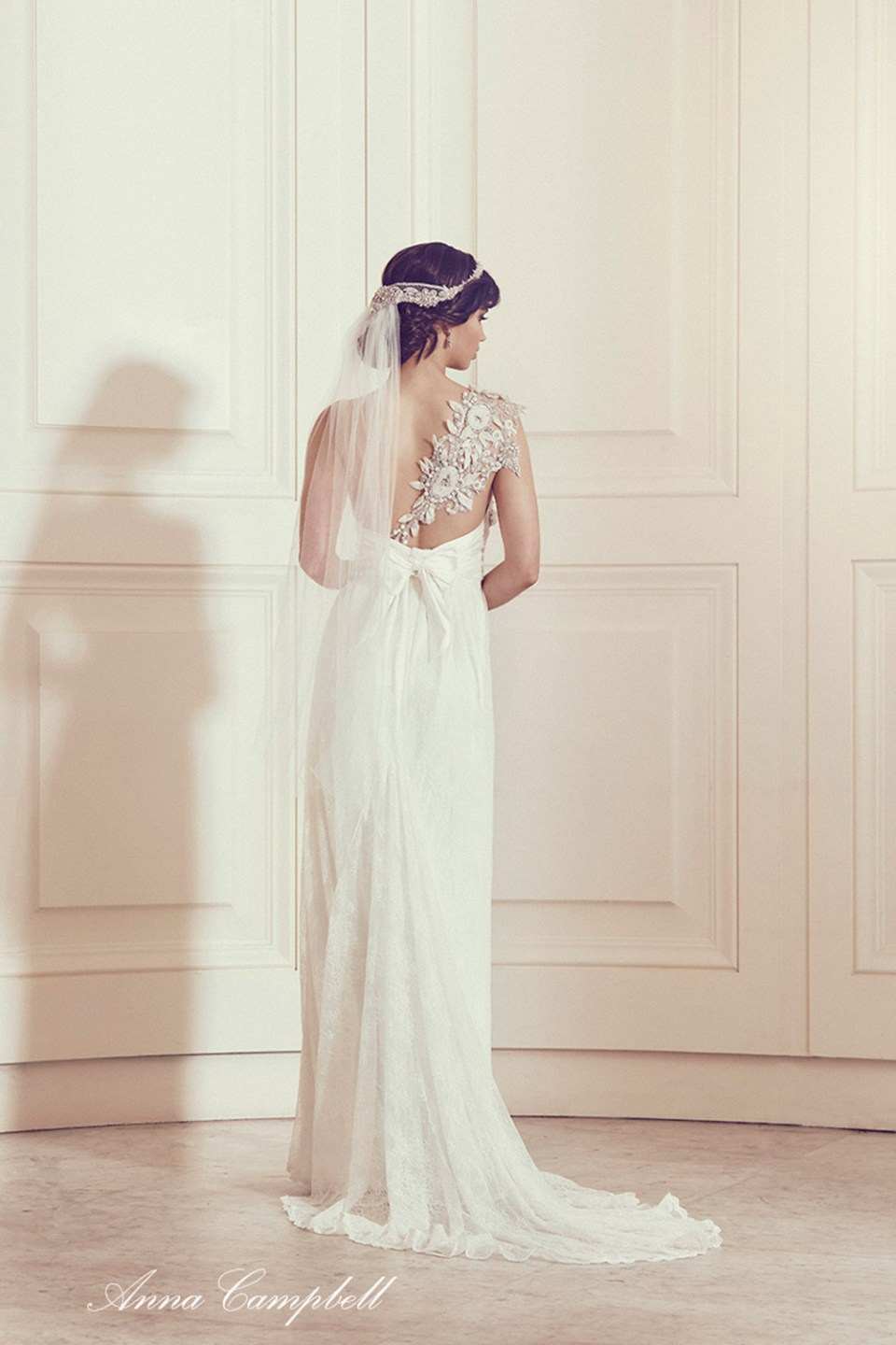Tash Lace - Anna Campbell 2016 Collection. www.theweddingnotebook.com