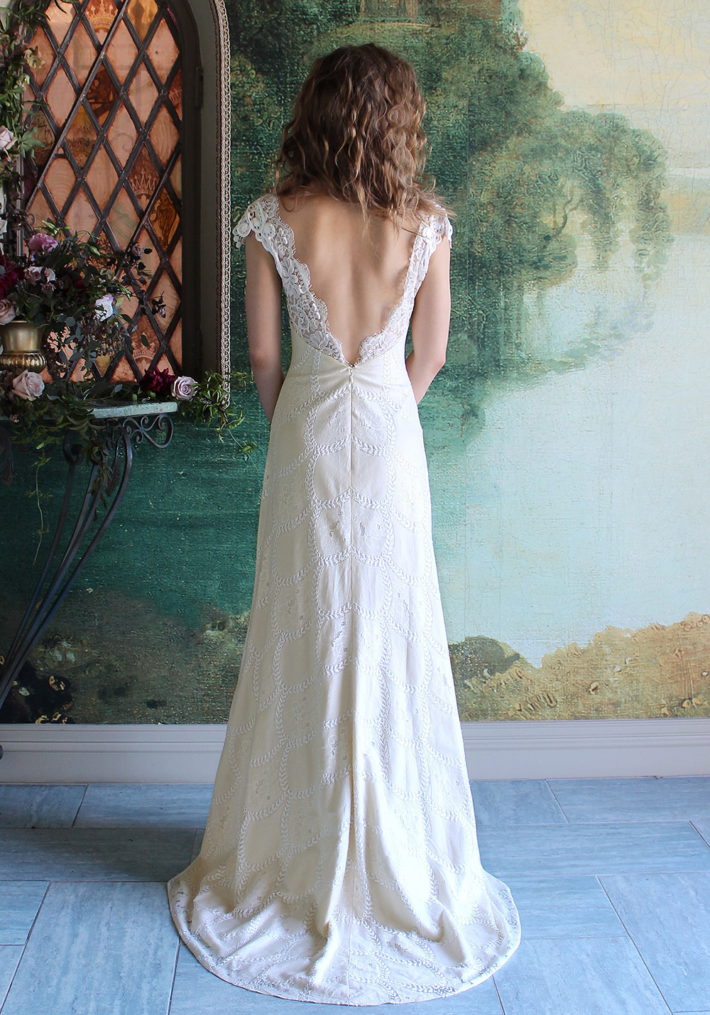 Montana - Romantique 2016 Collection. www.theweddingnotebook.com