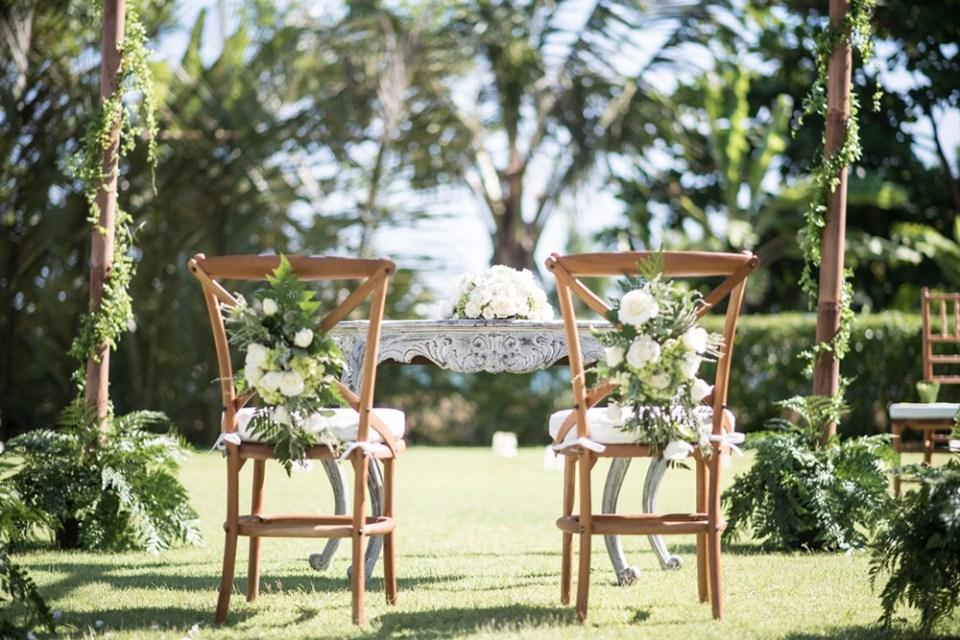 Photo by Iwan Photography. www.theweddingnotebook.com