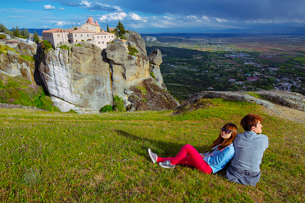 DIY Wedding Photoshoot, Meteora, Thessaly, Greece. www.theweddingnotebook.com
