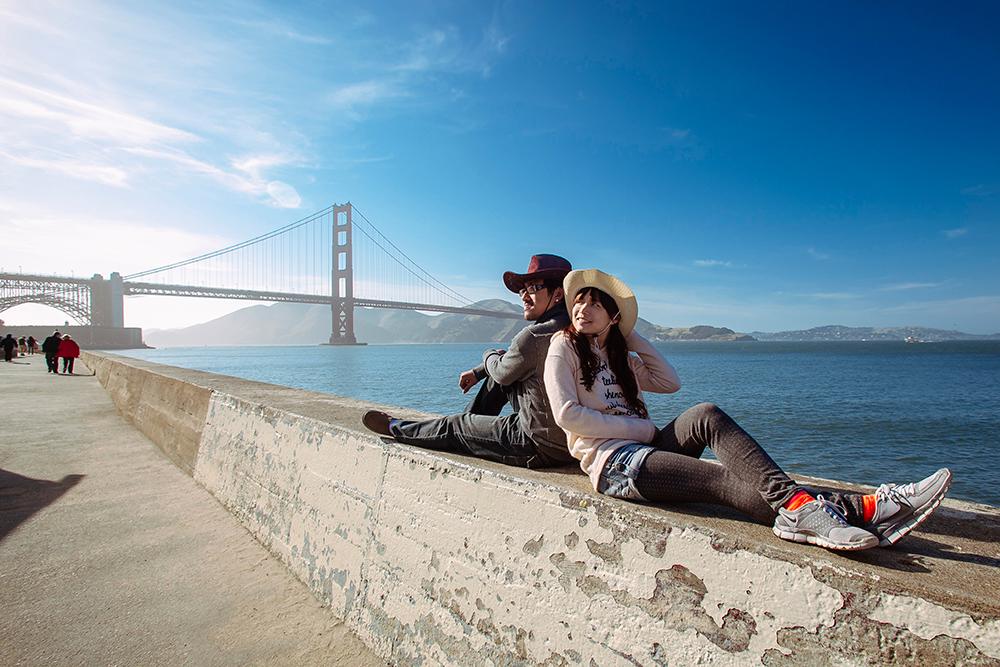 DIY Wedding Photoshoot, Golden Gate Bridge, San Francisco, USA. www.theweddingnotebook.com