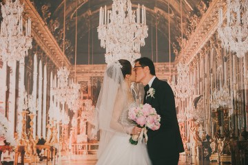 Photo by Deviews Production. www.theweddingnotebook.com