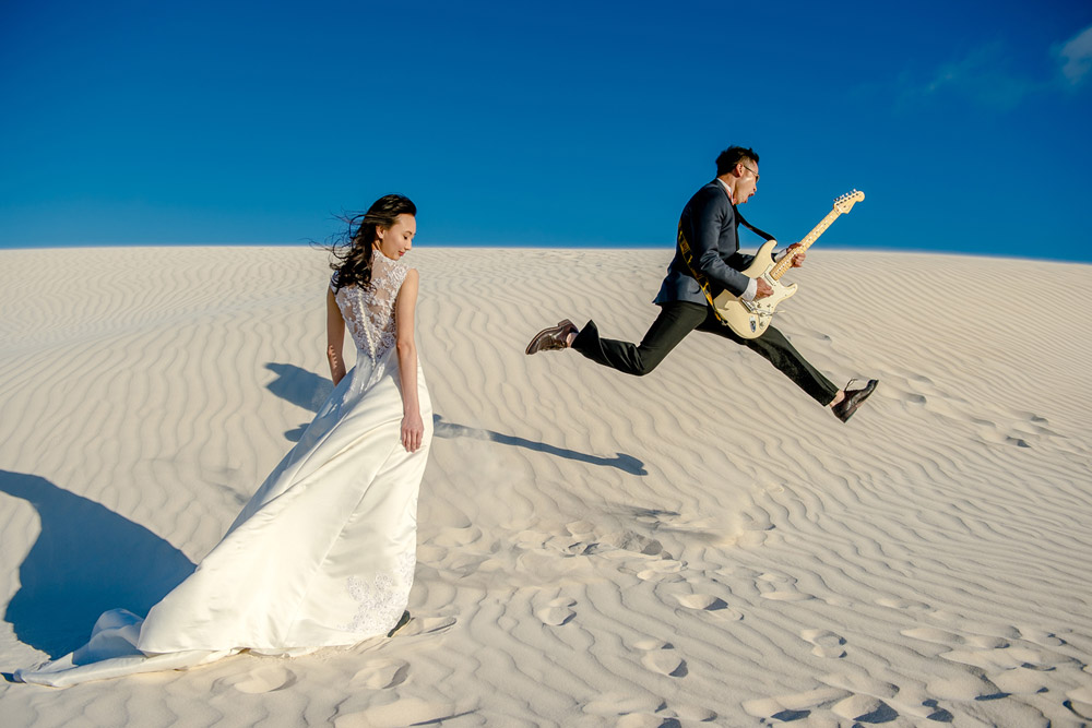 Sidlefaye Photography. Lancelin Desert Perth pre-wedding photos. www.theweddingnotebook.com