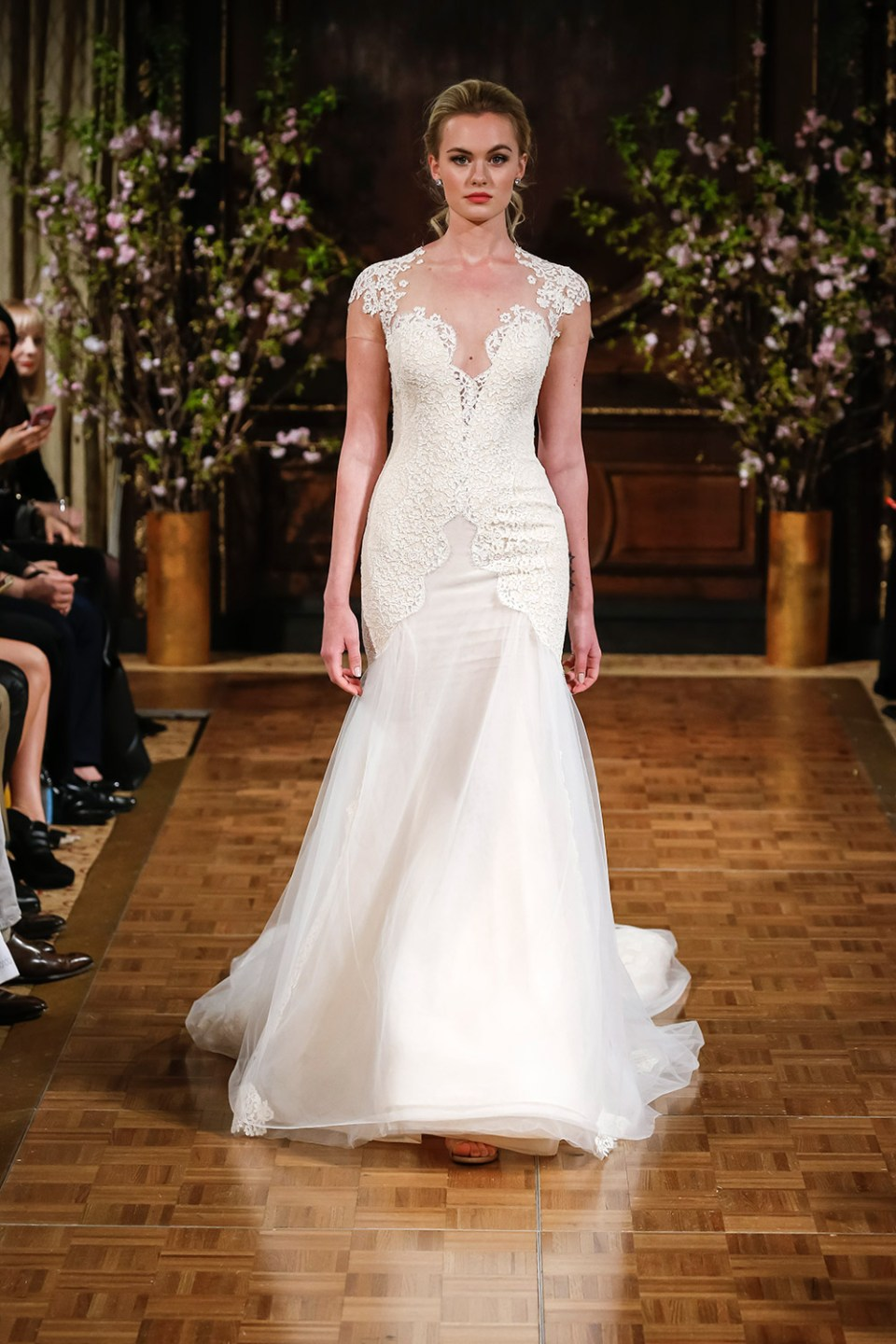 Toni - Isabelle Armstrong Spring 2017 Bridal Collection. www.theweddingnotebook.com