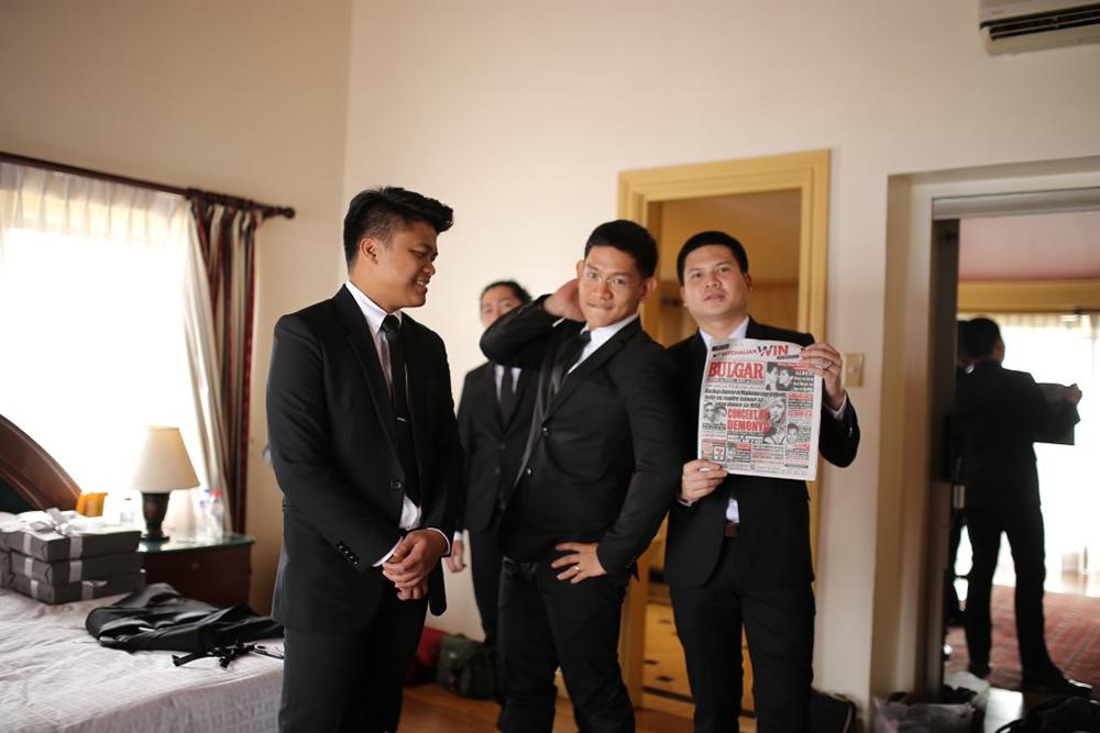 Photo by Toto Villaruel Photography. www.theweddingnotebook.com
