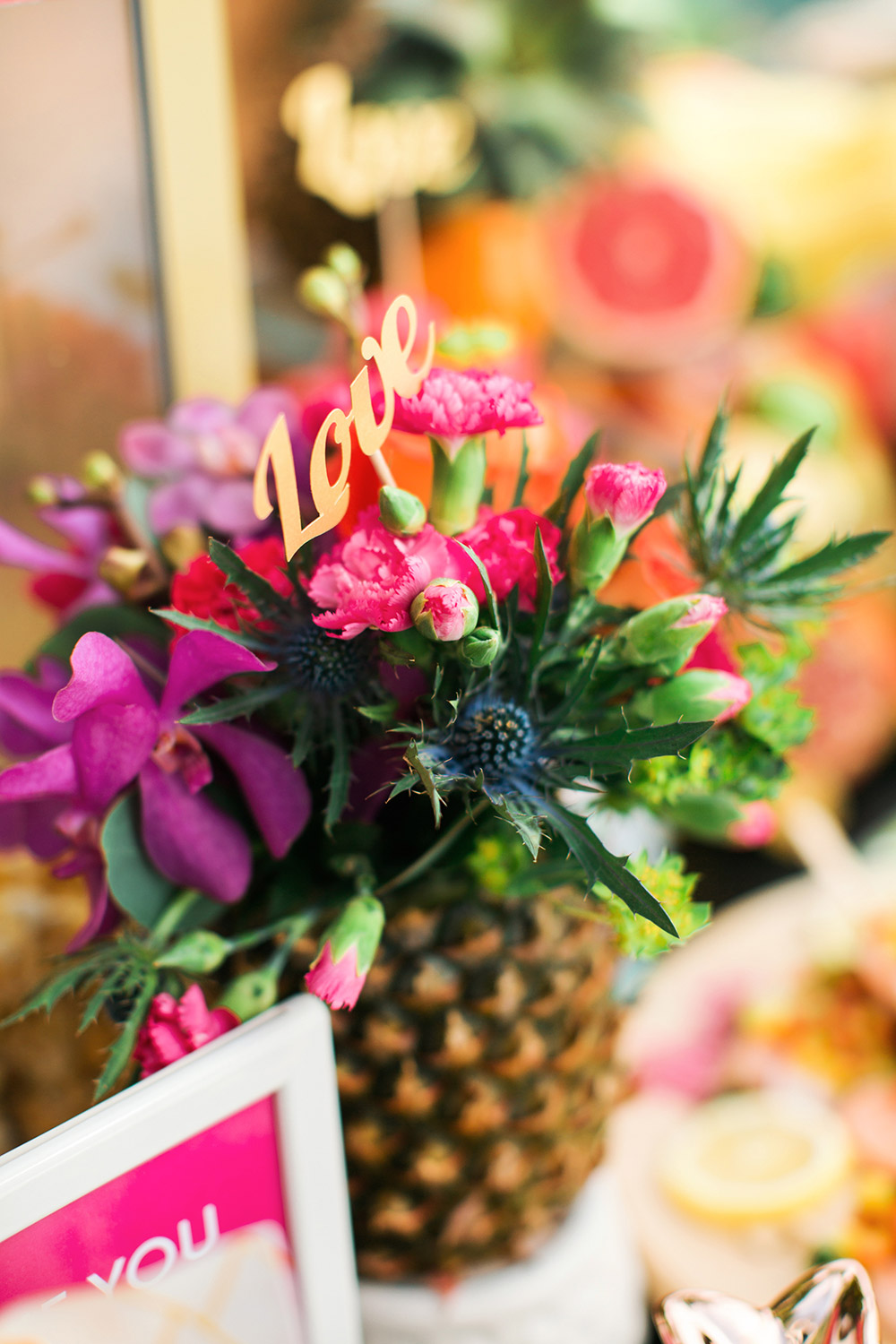 Pineapple flower arrangement. Photo by Funkydali. www.theweddingnotebook.com