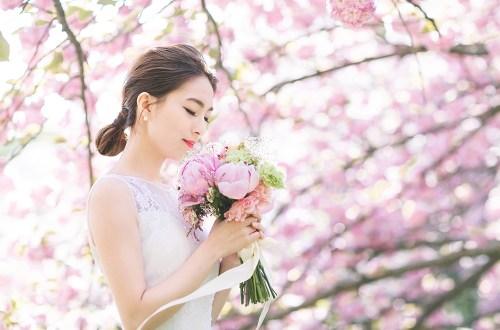 Photo by Lukas Chan Photo Lab. www.theweddingnotebook.com