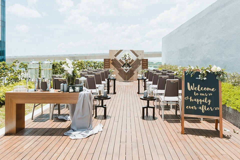 Wedding at Four Points by Sheraton. Styling by The Wedding Notebook magazine. Photo by Inlight Photos. www.theweddingnotebook.com
