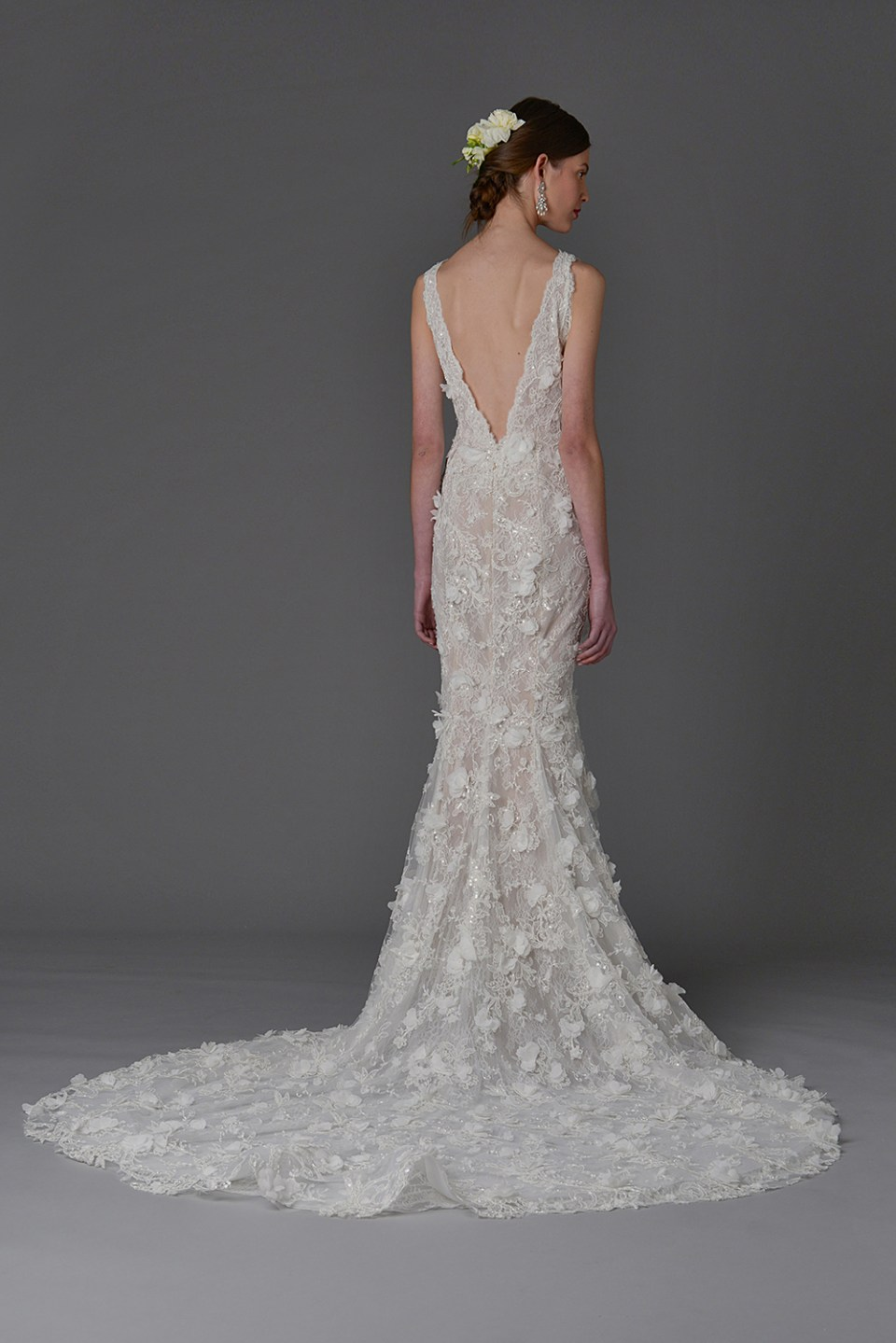 Daffodil without cape - Marchesa Spring 2017 Bridal Collection. www.theweddingnotebook.com