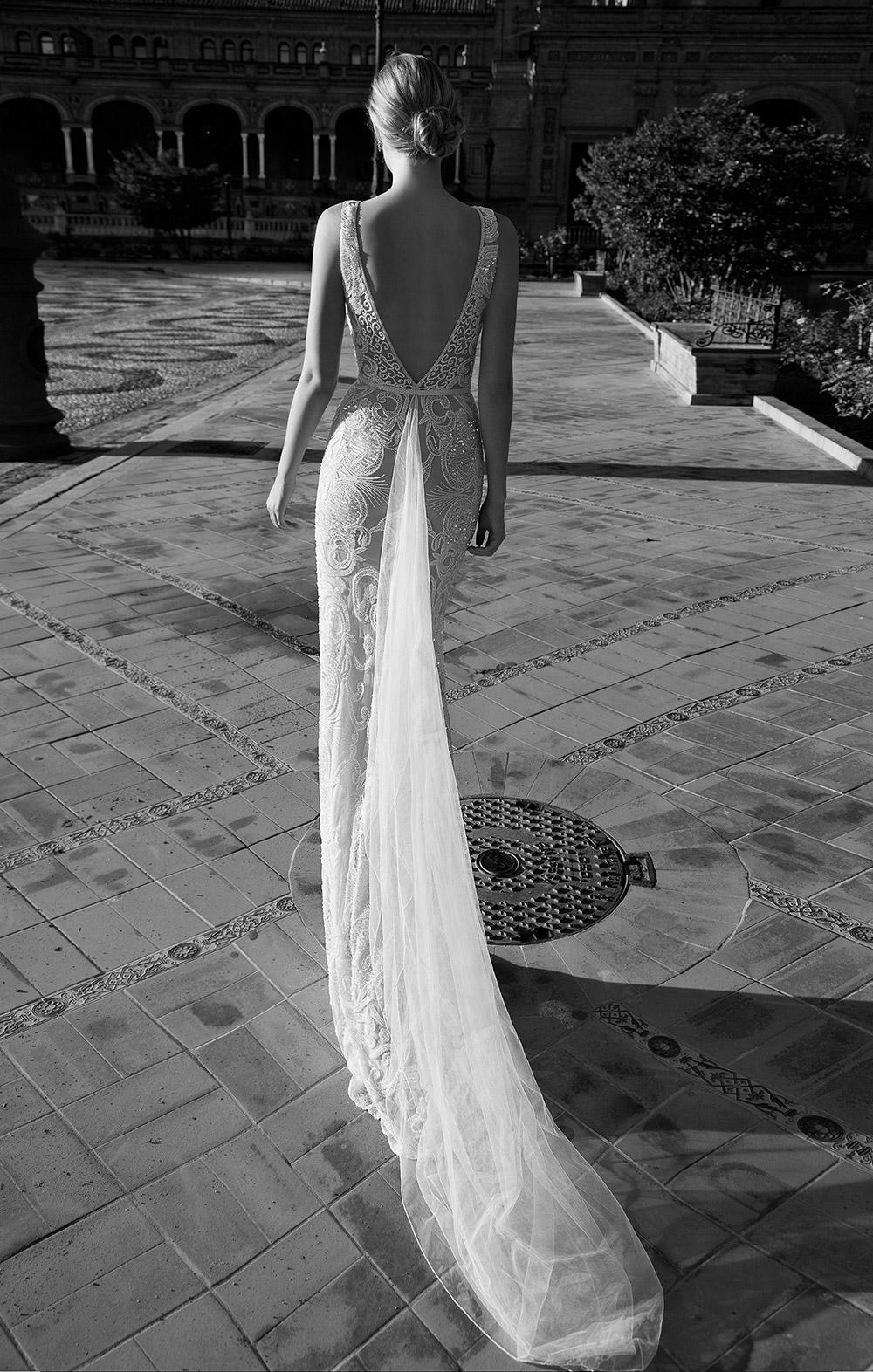 AMANDA - Alon Livne 2017 Bridal Collection. www.theweddingnotebook.com