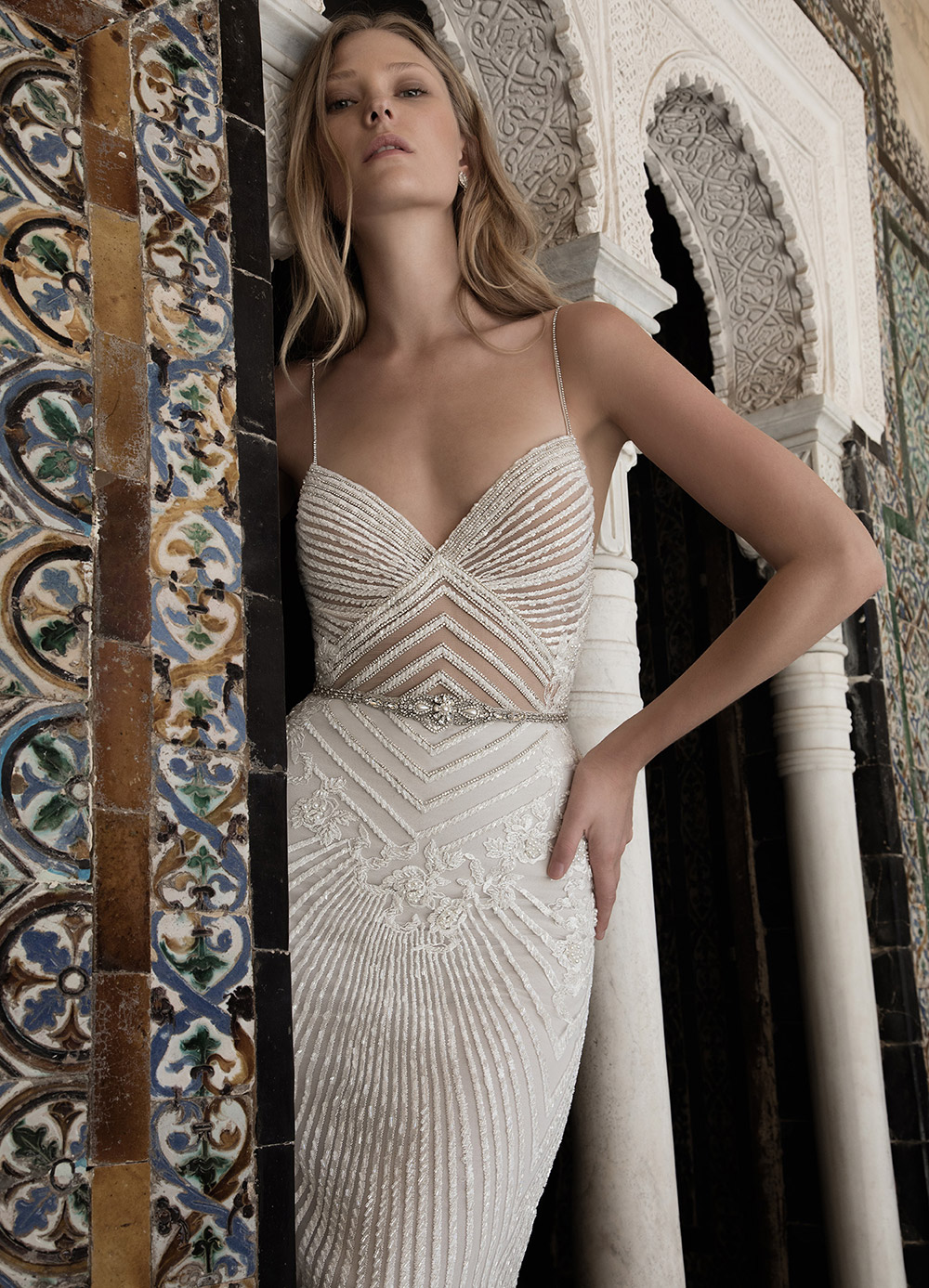 ALISON - Alon Livne 2017 Bridal Collection. www.theweddingnotebook.com