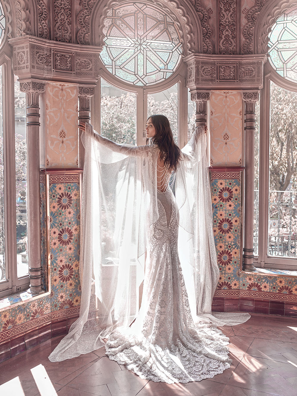 Rayne and Sterling cape - Galia Lahav Spring 2018 Collection. www.theweddingnotebook.com