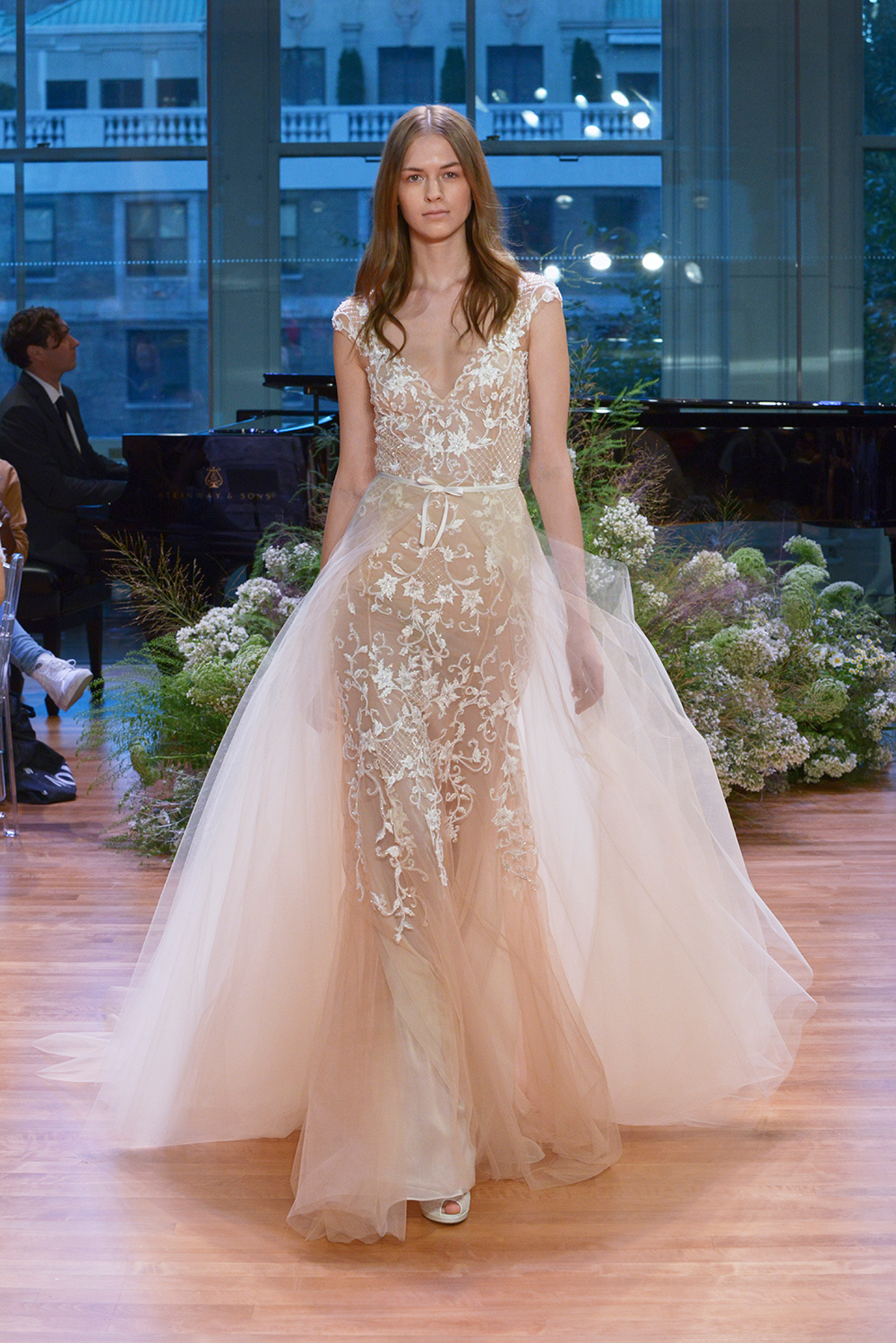 Pascal - Monique Lhuillier Fall 2017 Bridal Collection. www.theweddingnotebook.com