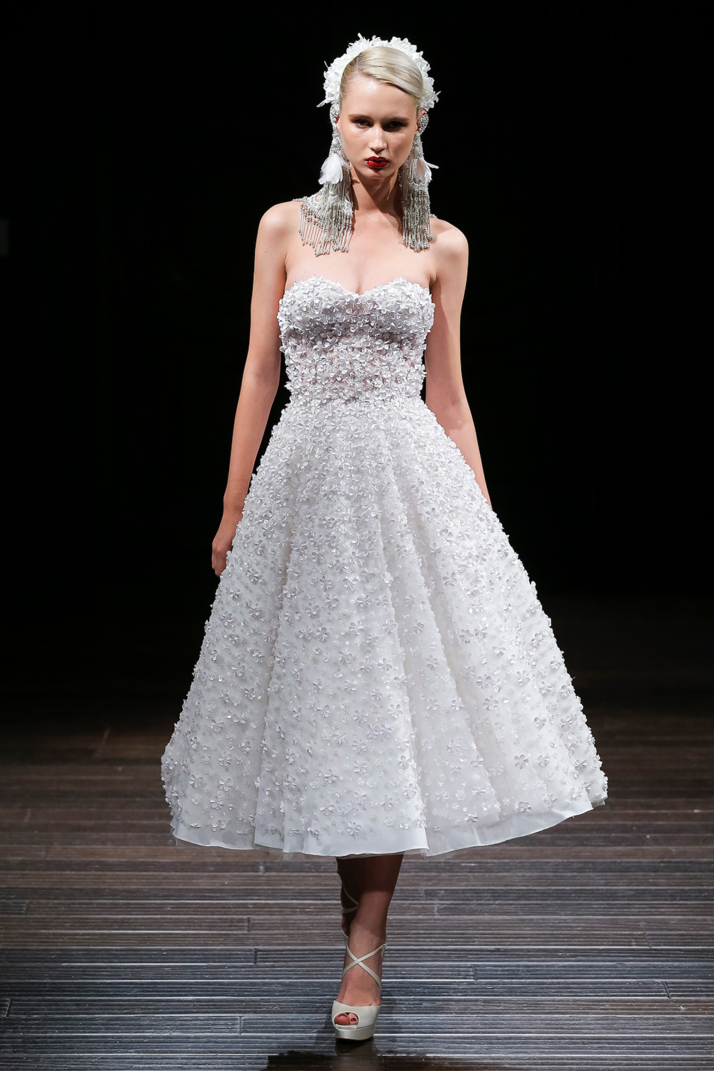 CHRYSTIE - Naeem Khan 2018 Bridal Collection. www.theweddingnotebook.com