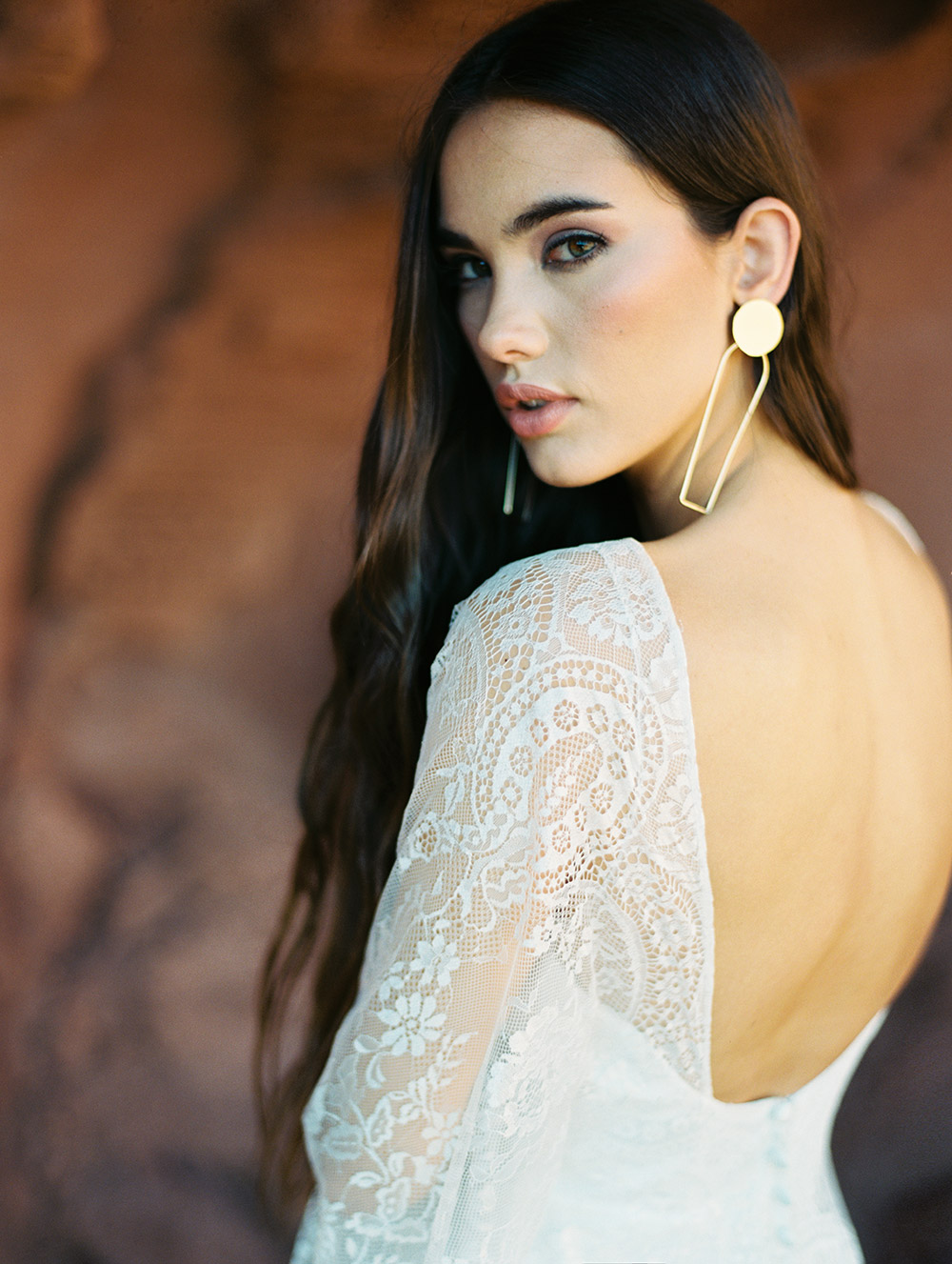 Opal - Wilderly Bride by Allure Bridals Spring 2018 Collection. www.theweddingnotebook.com
