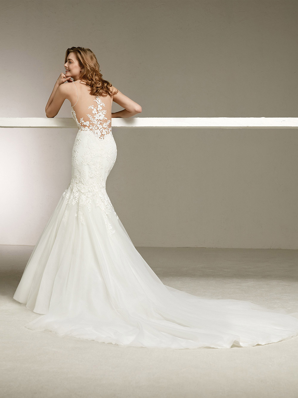 Donatella - Pronovias 2018 Bridal Collection. www.theweddingnotebook.com