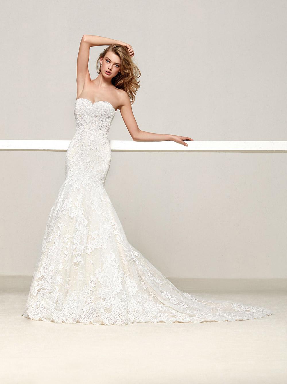Druida - Pronovias 2018 Bridal Collection. www.theweddingnotebook.com