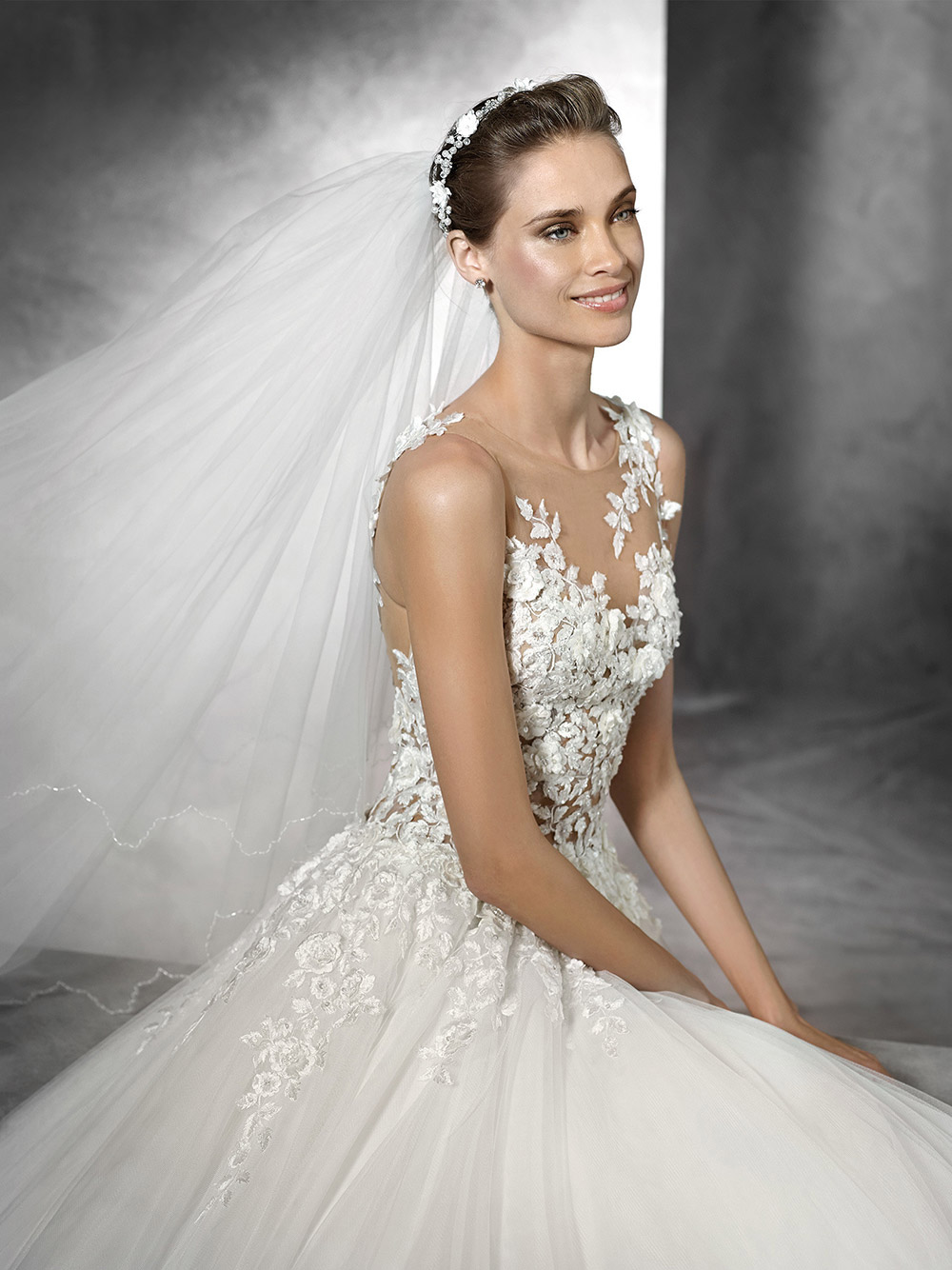 Taciana - Pronovias 2018 Bridal Collection. www.theweddingnotebook.com