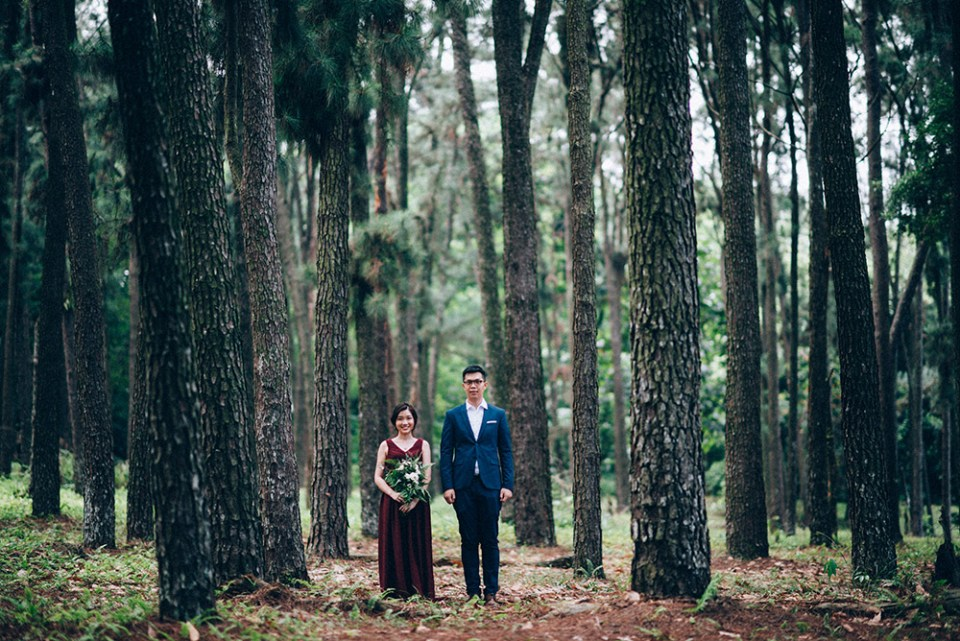 Photo by Trees On The Moon. www.theweddingnotebook.com