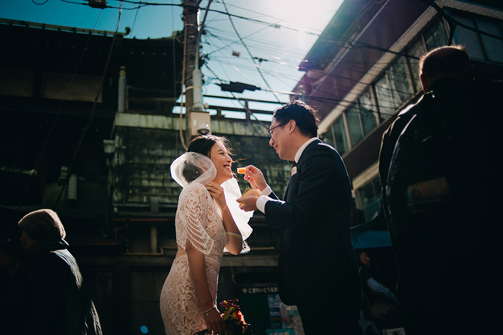Photo by Kai Picture. www.theweddingnotebook.com