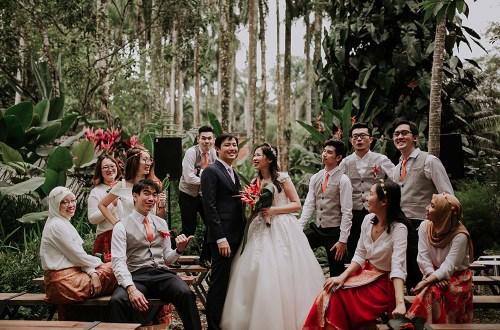 Photo by Jessiel Yee Photography. www.theweddingnotebook.com