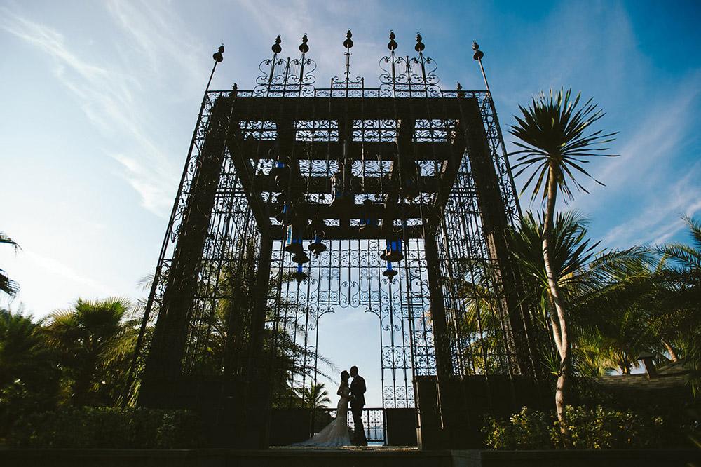 Photo by Dennis Yap Photography. www.theweddingnotebook.com