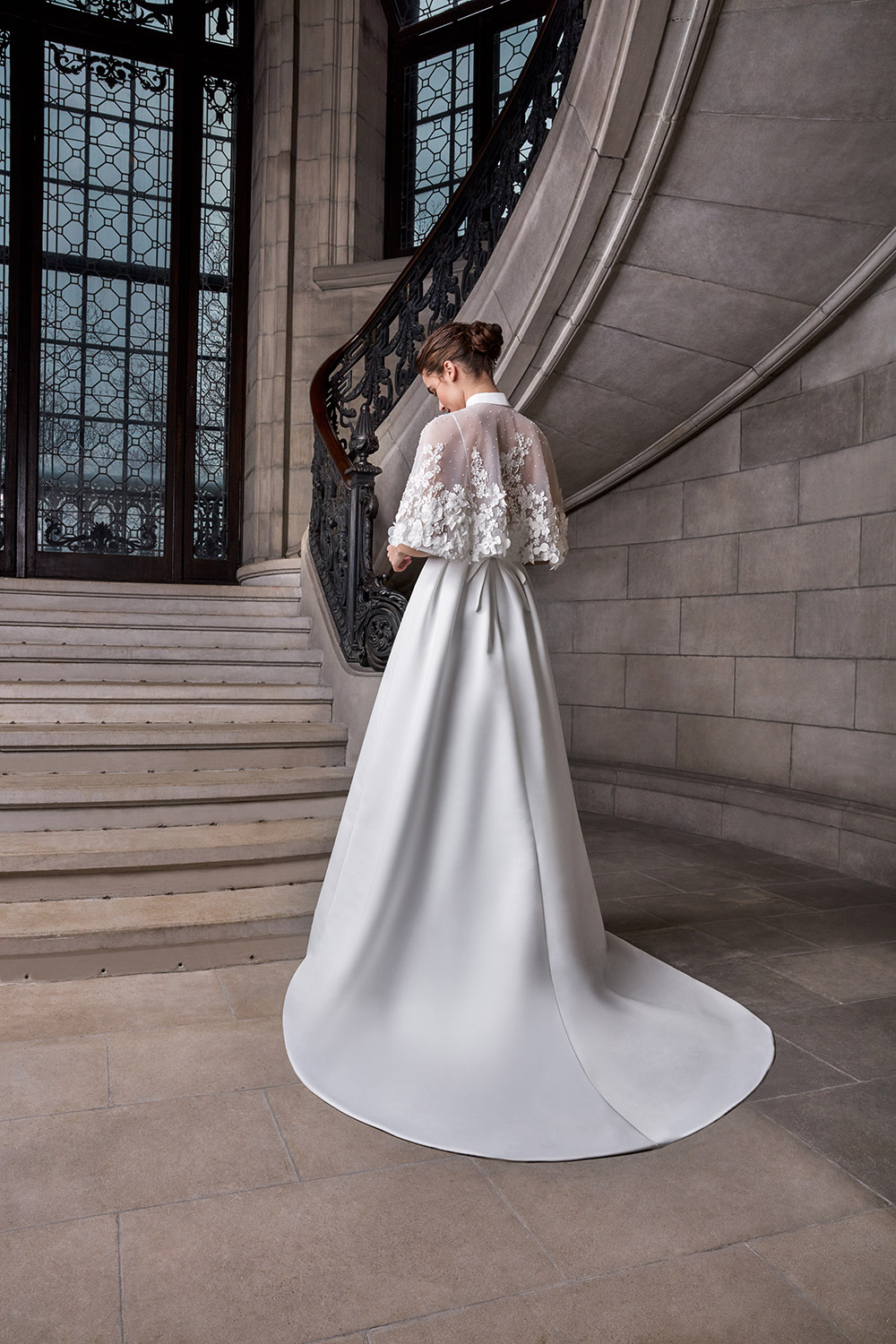 Marie Chantal Cape - Sareh Nouri Spring 2020 Collection. www.theweddingnotebook.com