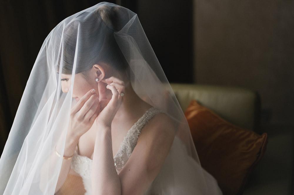 Joshua Koh Photography. www.theweddingnotebook.com