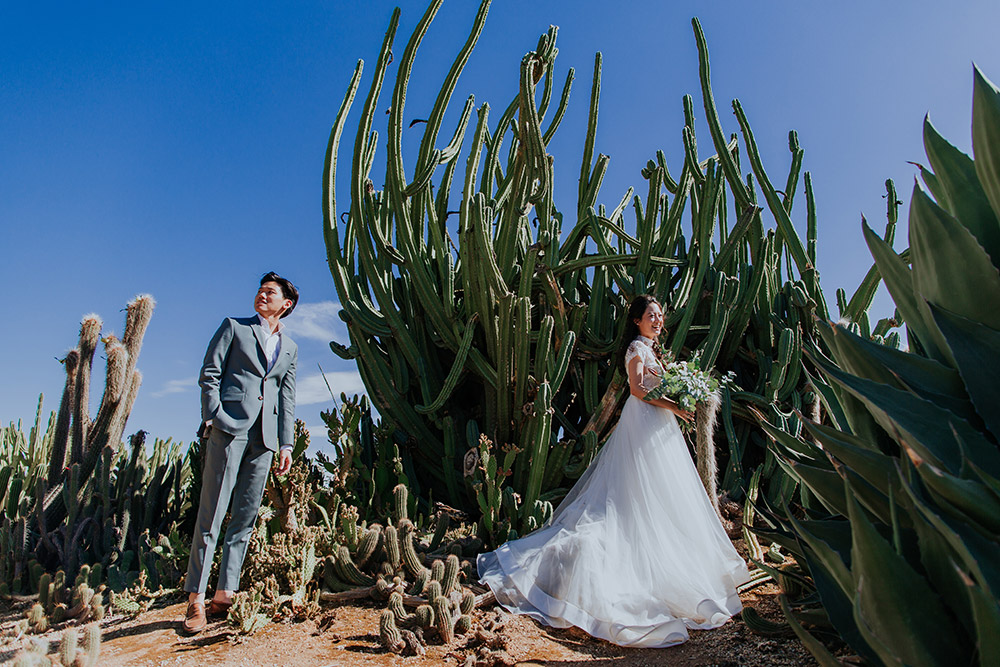 Photo by Louis Gan Photography. www.theweddingnotebook.com