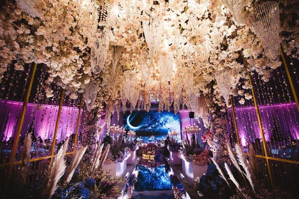 Flowers by Wishing Tree. Adam Ong Photography. Planning by MY Wedding Planner. www.theweddingnotebook.com