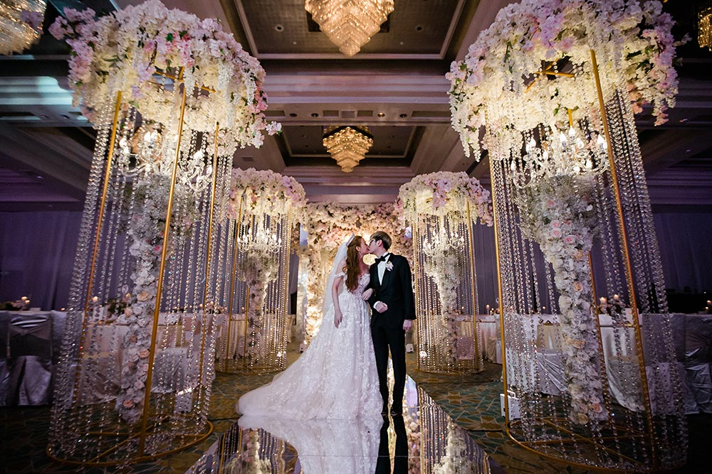 Flowers by Wishing Tree. Louis Loo Photograph. Planning by MY Wedding Planner. www.theweddingnotebook.com