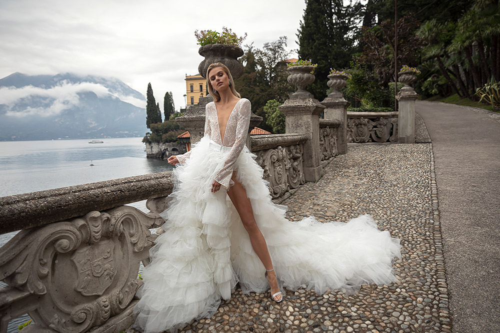 Julie Vino 2020 Bridal Collection. www.theweddingnotebook.com