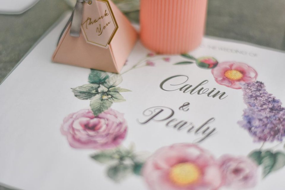 Wedding table mat. Photography by Andrew Yep Photographie. www.theweddingnotebook.com