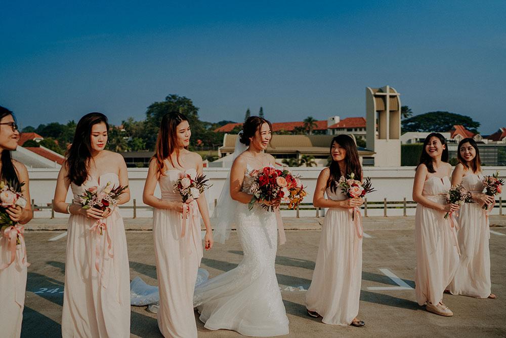 Bridesmaids. Smittenpixels Photography. www.theweddingnotebook.com
